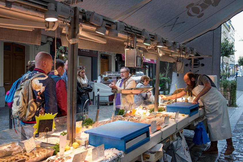 Rue de Poteau French market class