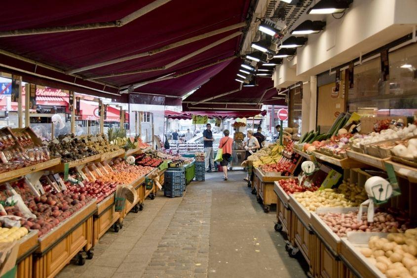 Rue de Poteau market